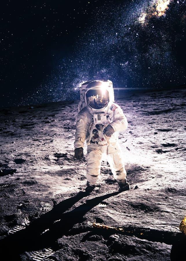 月亮的宇航员 免版税库存照片