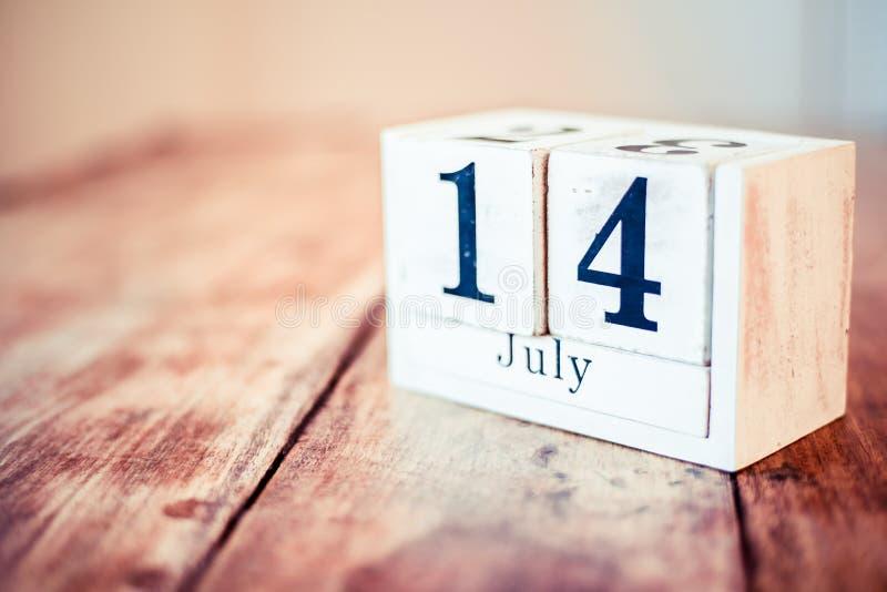 7月第14 - 7月14日-全国大马尼亚天 全国卷尺天 全国裸体天 全国Mac &乳酪天 免版税图库摄影