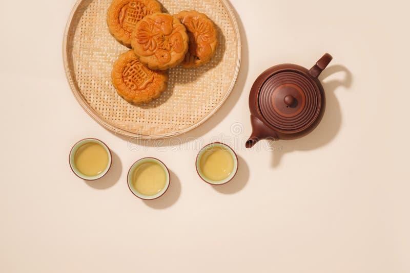 月饼,是越南酥皮点心传统上被吃的duri 库存照片