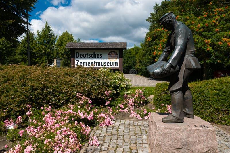 7月 2017年,黑莫尔德国,德国水泥博物馆的入口 图库摄影