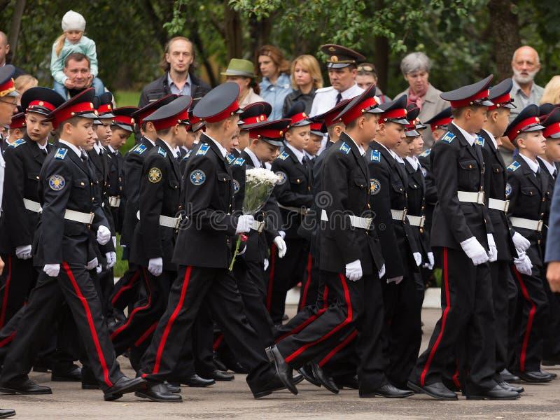 9月1日的游行在第一个莫斯科军校学生军团 免版税图库摄影