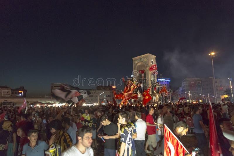 7月15日突然行动尝试抗议在伊斯坦布尔 图库摄影