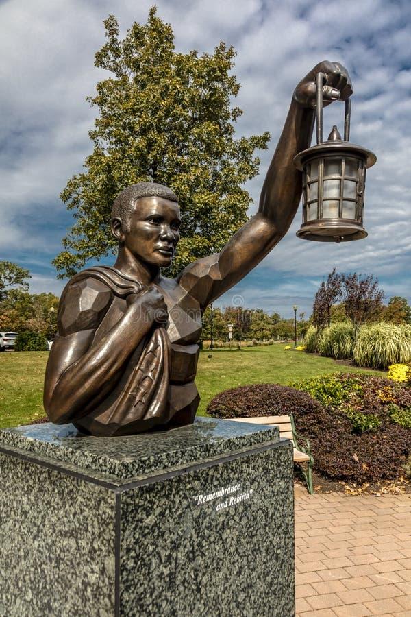 9/11 10月16日, 2016年-纪念老鹰岩石保留在西奥兰治,新泽西有纽约看法-在新的Y的一个火炬 免版税库存图片