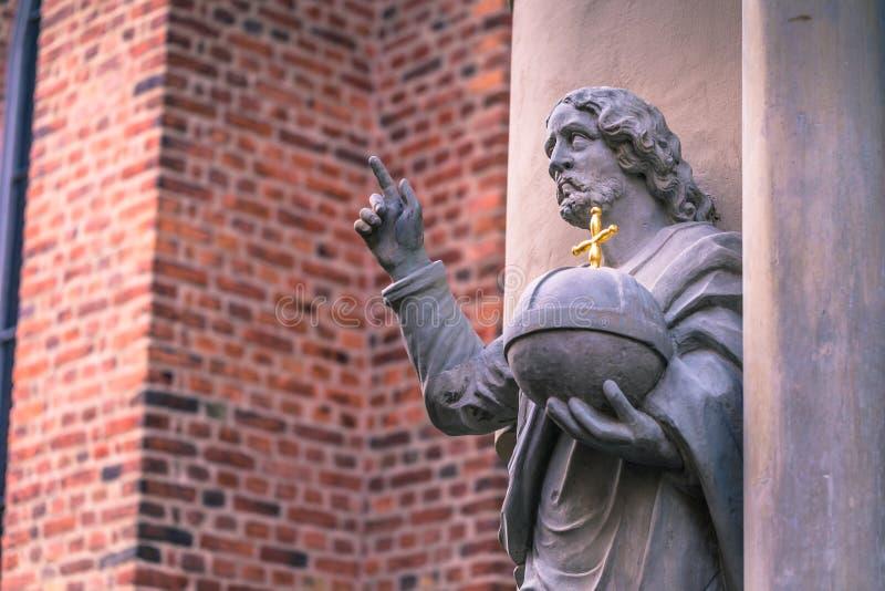2017年1月21日:老镇o的德国教会的雕象 图库摄影