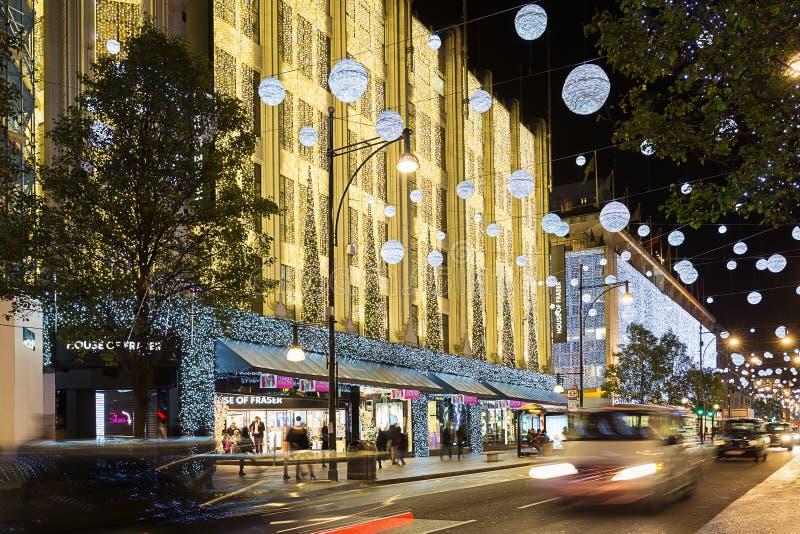 11月13日费沙尔商店2014议院牛津街的,伦敦,装饰圣诞节和新年 库存图片