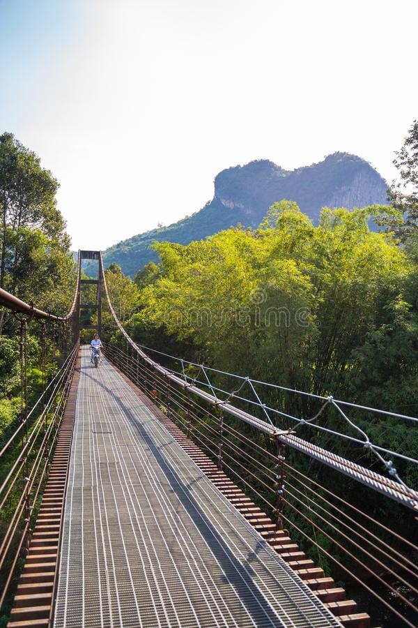 12月21日2018泰国:铁十字架的吊桥河 图库摄影