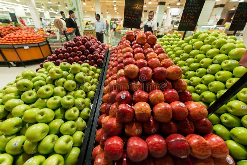 8月8日i的迪拜超级市场Waitrose 库存照片