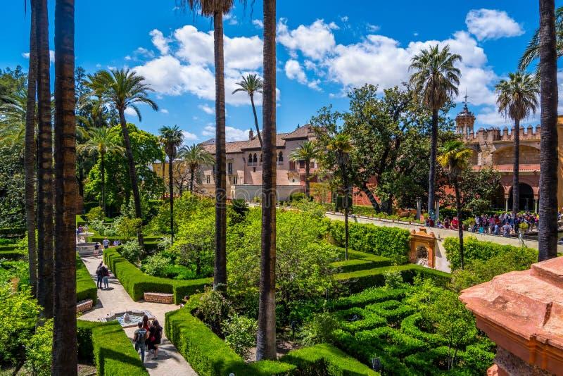 5月2019真正的城堡庭院在塞维利亚安达卢西亚西班牙 库存图片