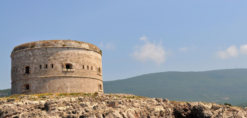 有一个堡垒的一个海岛 免版税库存照片