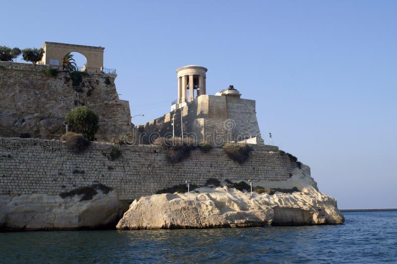 有一个塔的堡垒在海滩 库存照片