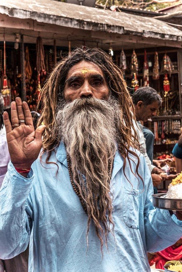 有一个长的胡子的印度男性修士 免版税库存图片