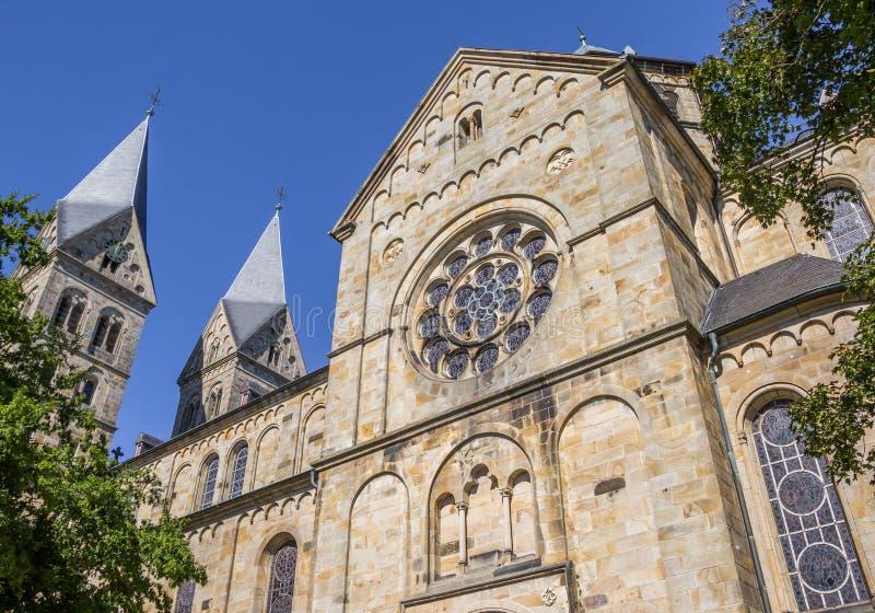 有两个塔的圣安那教会在Neuenkirchen 图库摄影