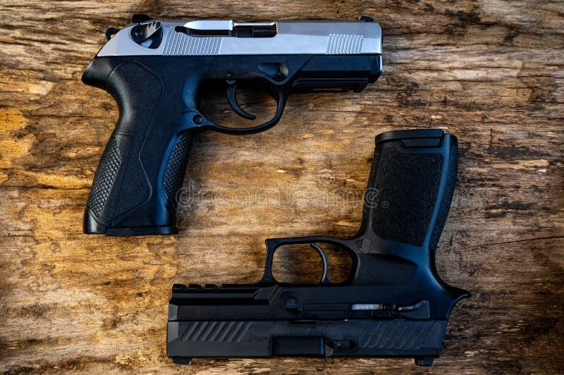有两好处和缺点的武器 免版税图库摄影