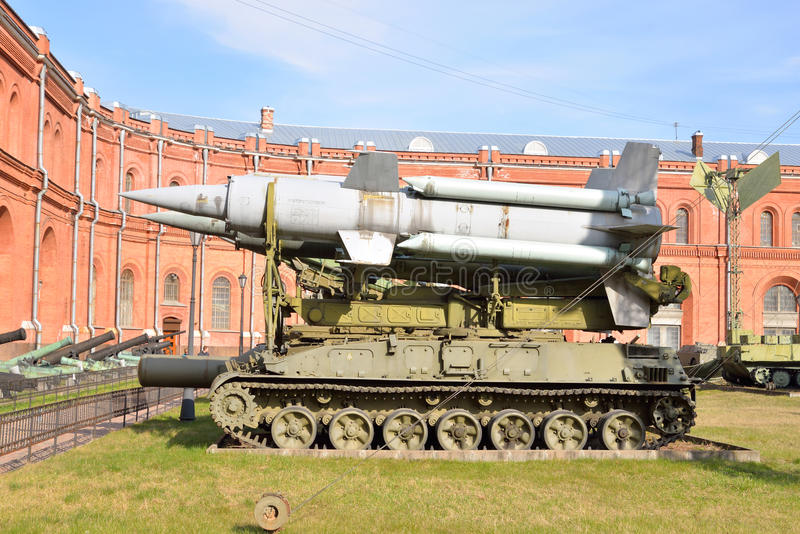 有两枚火箭的导弹复杂9K11 Krug 3M8发射器2P24在军事火炮博物馆 图库摄影
