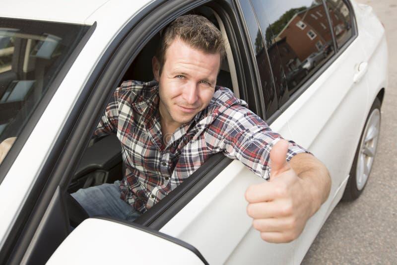 有他全新的汽车的好人 免版税库存照片