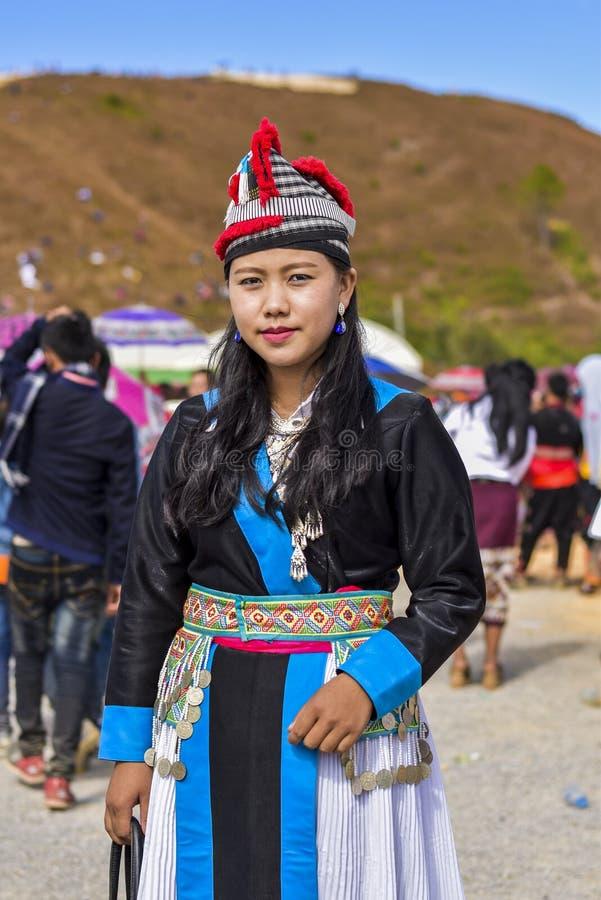 有传统的Hmong女孩穿戴在新年的 免版税库存照片