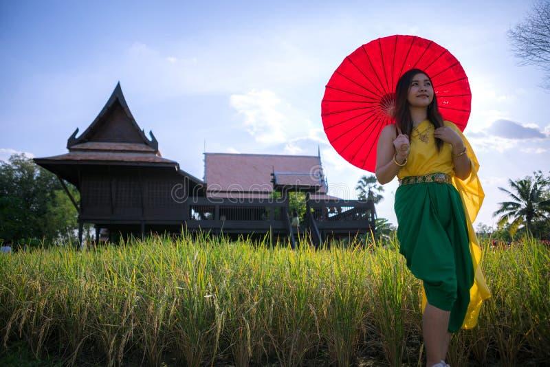 有传统风格的泰国妇女 库存照片