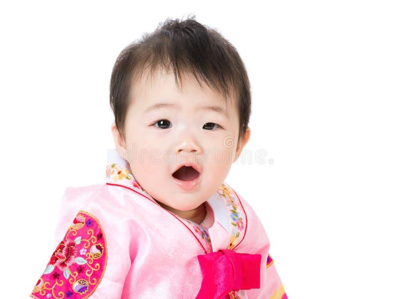 有传统韩国hanbok的小女孩 库存照片
