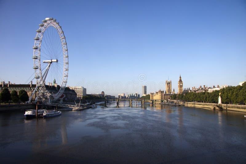 有伦敦眼睛的泰晤士 库存照片