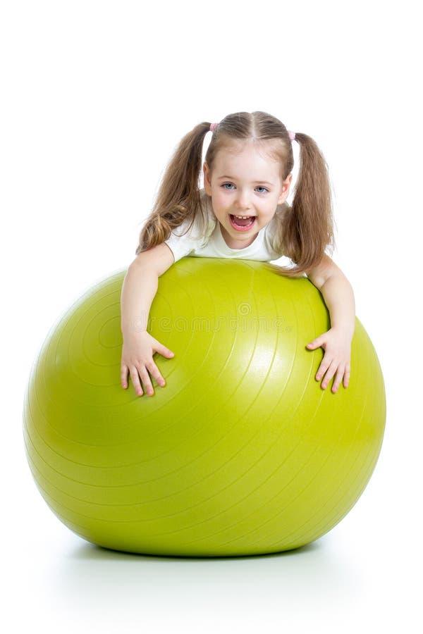 有体操球的孩子女孩 图库摄影