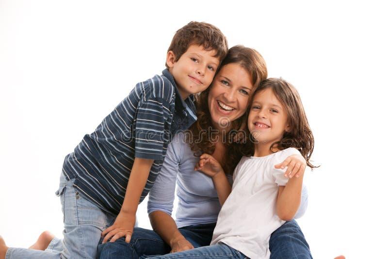 有儿子和女儿的母亲 免版税库存照片