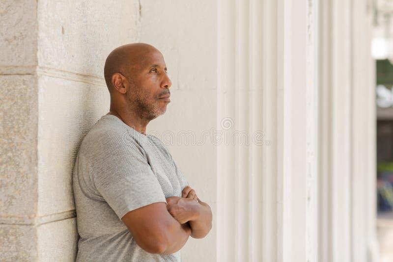 有关心的神色的非裔美国人的人 免版税库存照片