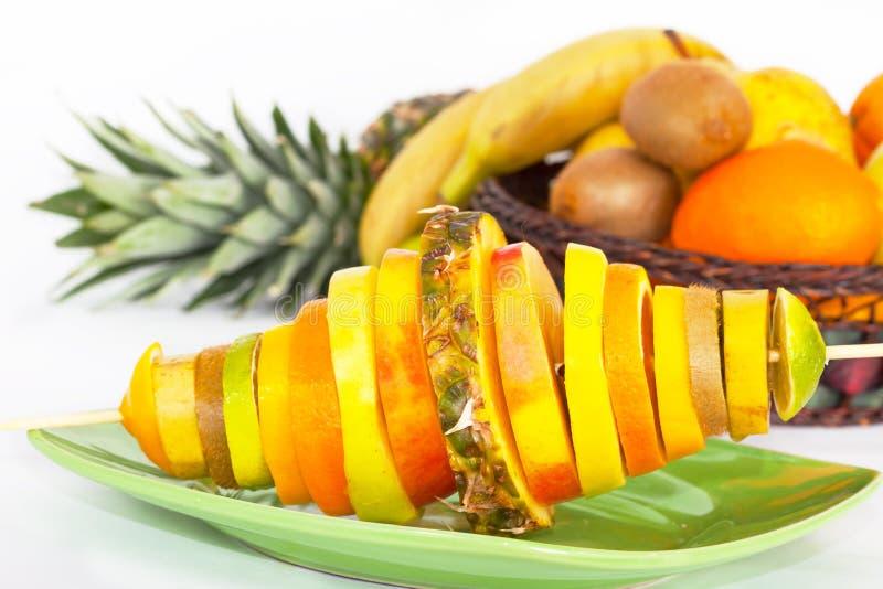 有切片的串热带水果 库存照片