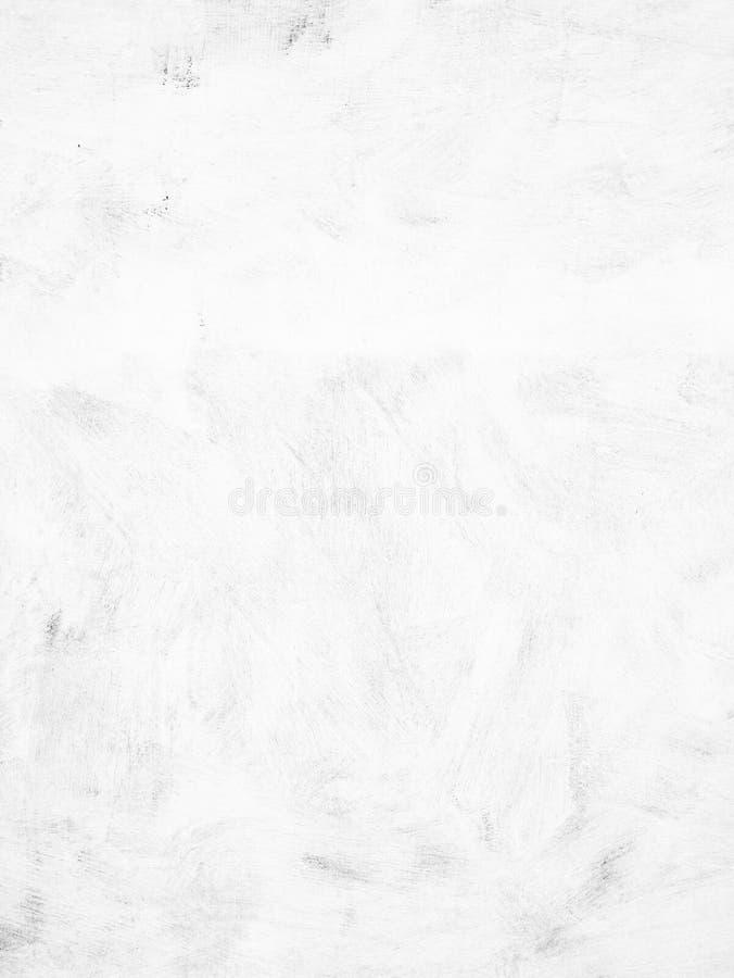 有刷子踪影的被粉刷的膏药墙壁,白色背景 免版税库存照片