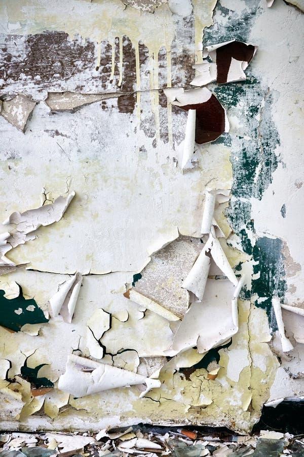 有削皮油漆的污浊的墙壁 免版税库存照片