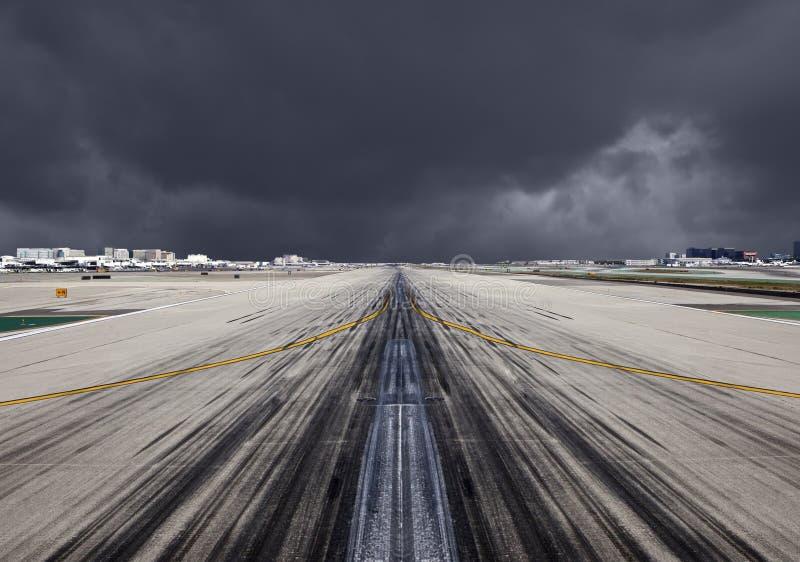 LAX跑道剧烈风暴 库存照片