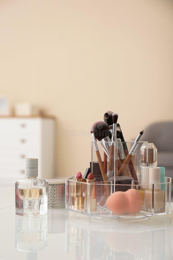 有化妆品的组织者构成的 库存照片
