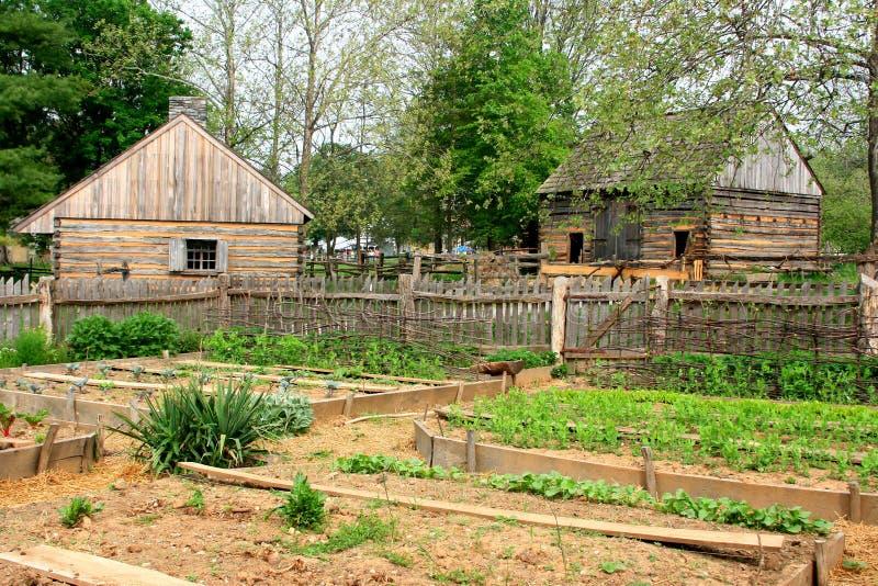 有历史农厂的庭院 免版税库存图片