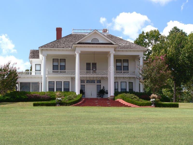 有历史的豪宅 免版税库存图片
