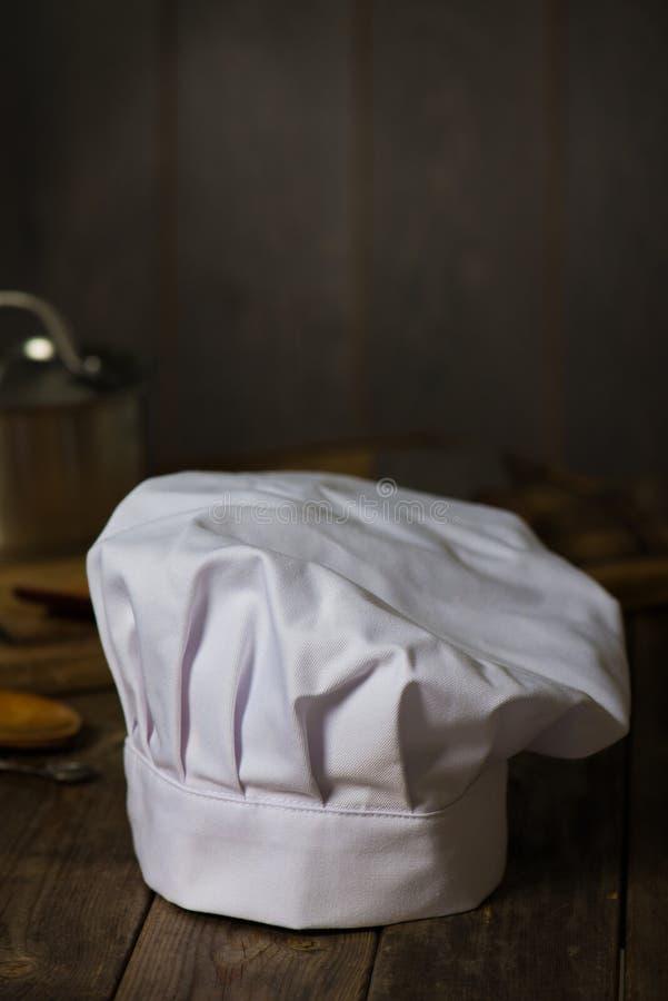 有厨房的厨师帽子 免版税库存照片