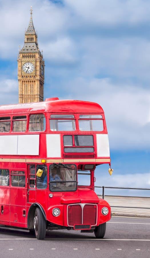 有双层公共汽车的大本钟在伦敦,英国,英国 免版税库存照片