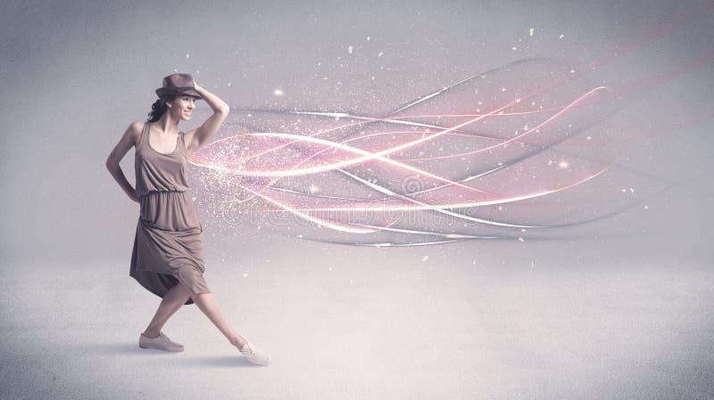 有发光的线的质朴的都市舞蹈家 免版税库存图片