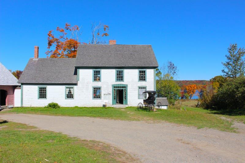 有古板的多虫的n的新不伦瑞克,加拿大乡间别墅 库存照片