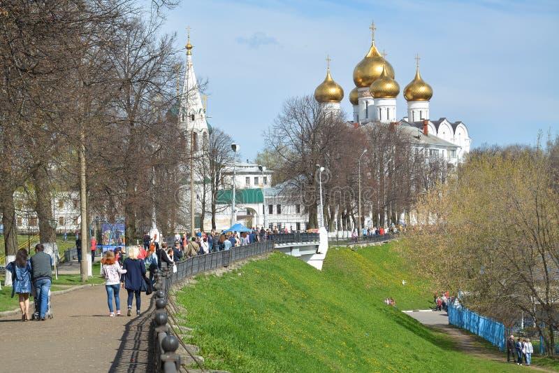 有古老教会和大教堂的全景散步 库存图片