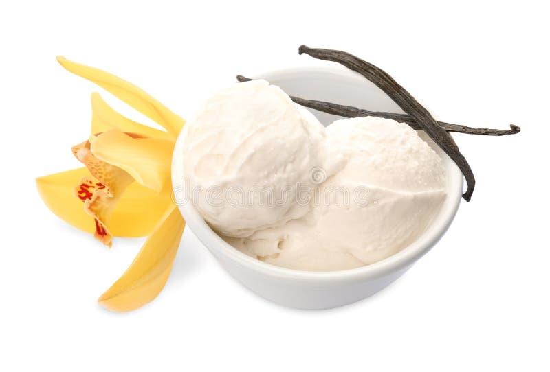 有可口香草冰淇淋的碗 免版税库存照片