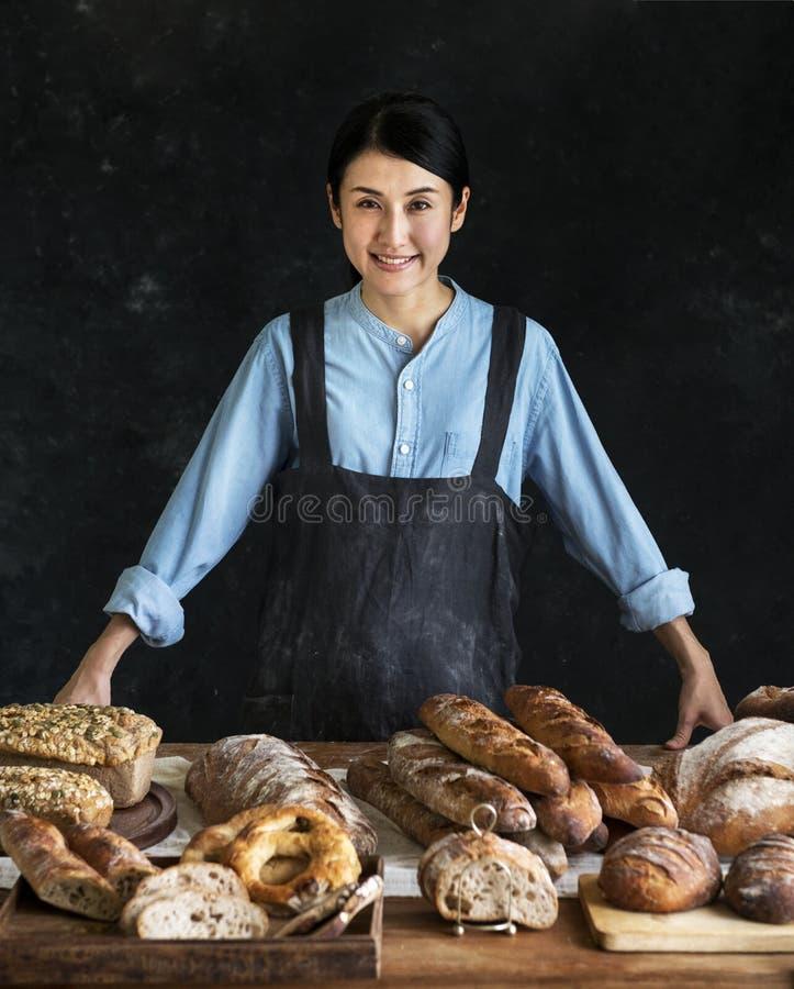 有各种各样的日本面包师新鲜面包 库存图片