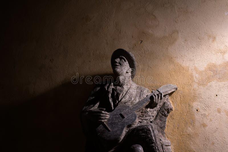 有吉他的Bluesman 免版税库存照片