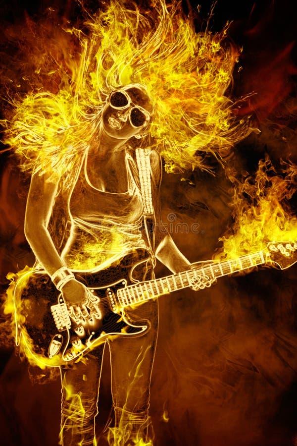 有吉他的少妇在火火焰 免版税库存图片