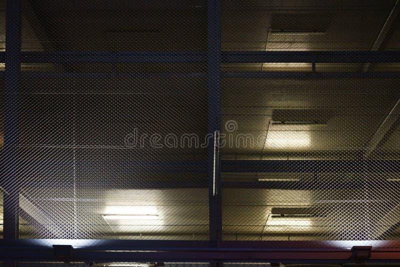有启发性停车库夜 库存图片
