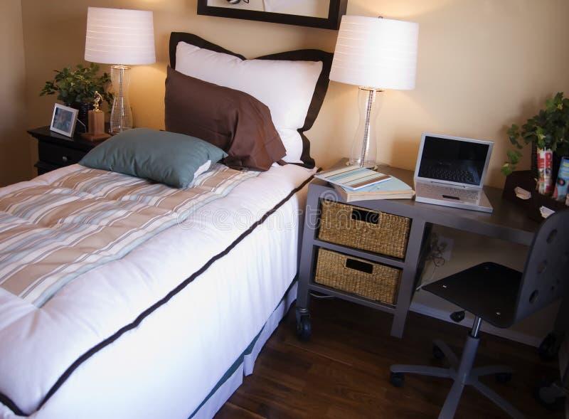 有吸引力的卧室 免版税库存照片