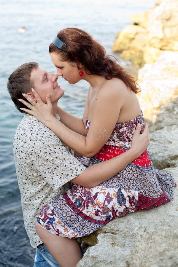 有吸引力的夫妇海运 库存照片