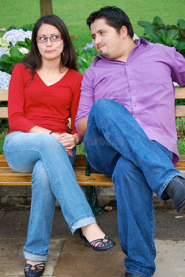有吸引力的夫妇逗人喜爱的西班牙照&# 免版税库存照片