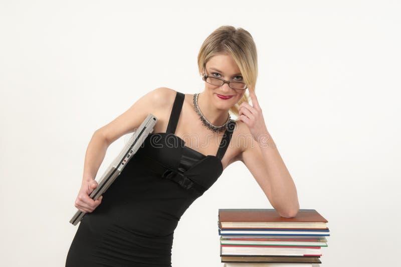 有吸引力的女孩纵向 免版税库存图片