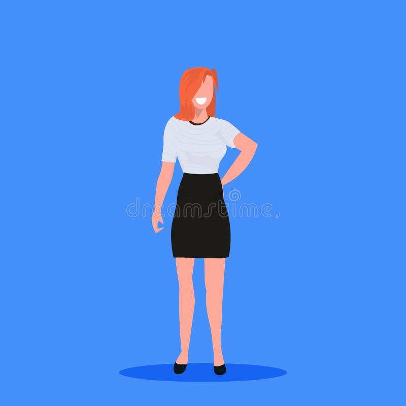 有吸引力的女实业家藏品提包身分姿势微笑的红头发人女商人办公室工作者女性动画片 皇族释放例证