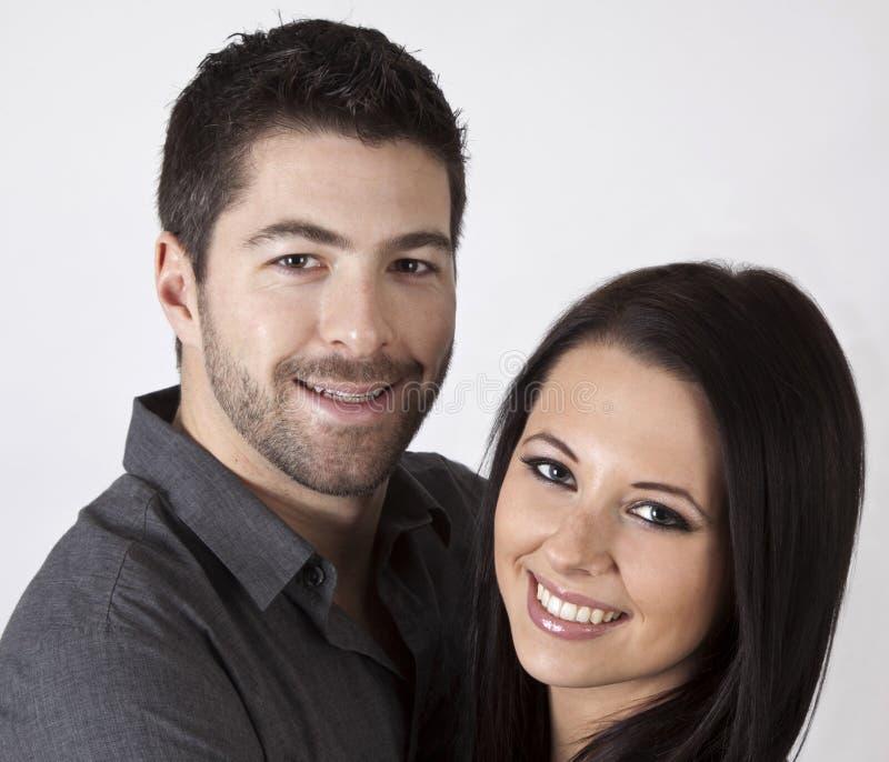 有吸引力的新夫妇。 库存照片