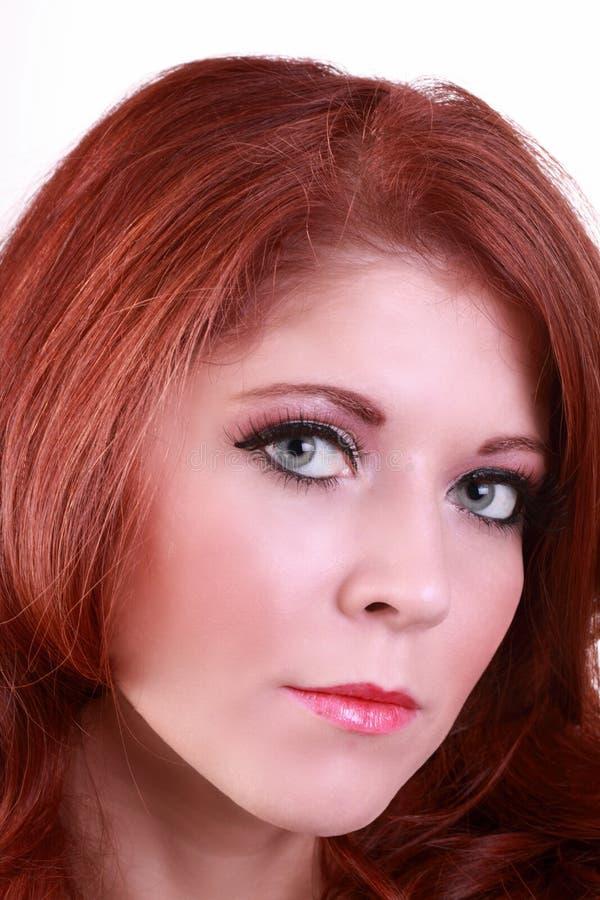 有吸引力的特写镜头纵向红头发人妇&# 免版税库存图片